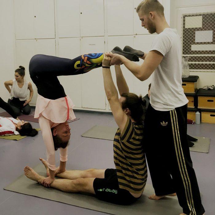 kezallas-es-acro-yoga-ws-2020.02.22 (28)
