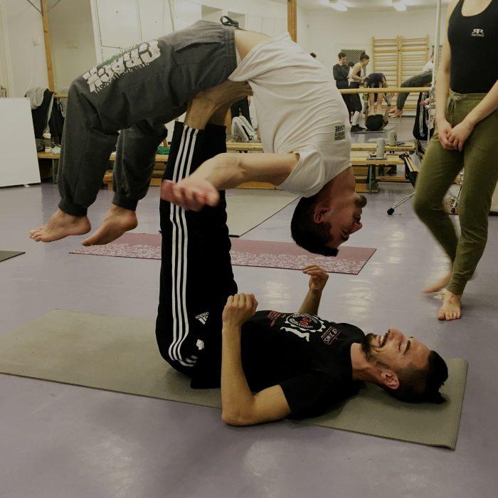 kezallas-es-acro-yoga-ws-2020.02.22 (39)
