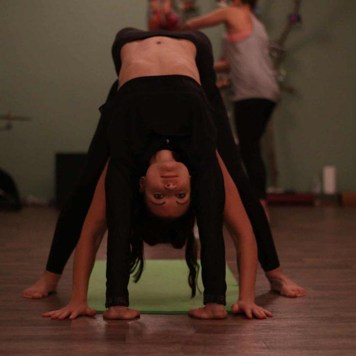 yoga-es-acro-yoga-workshop (7)
